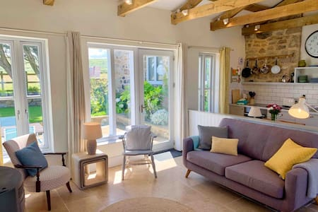 Cara Cottage, St Ives with private garden