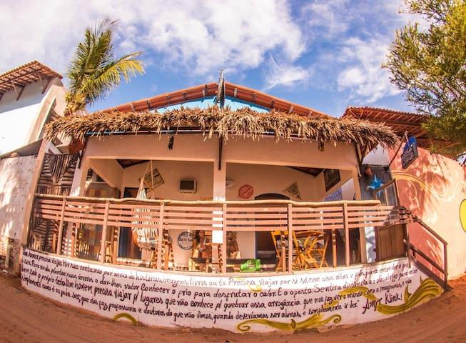 Trip Bar Hostel - Quarto Viagem