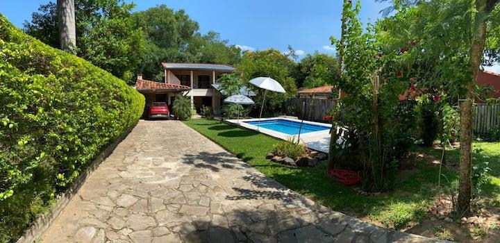 Alquilo casa en San bernardino - Paraguay