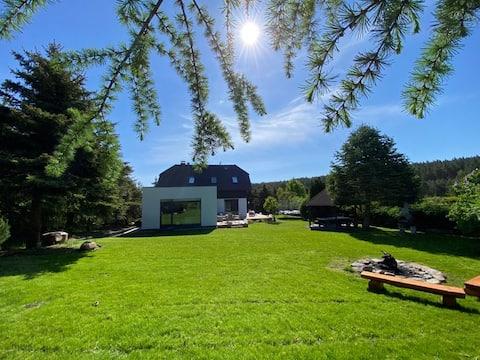 VILLA DANUTA - WISELKA, big garden,1,8km to beach.