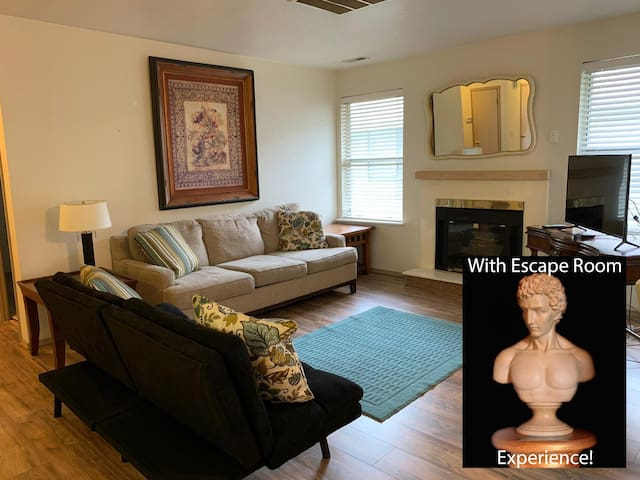 Apartment Near Downtown w/ Self Guided ESCAPE ROOM! (201)