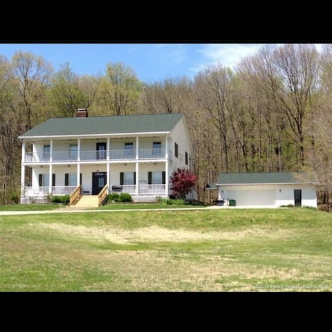 Beautiful Farm House in the Country - Corydon - Ev