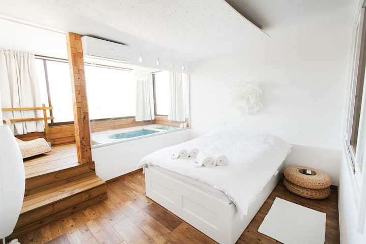 Romantic place for couple • xl-bathtub • VILAMOURA