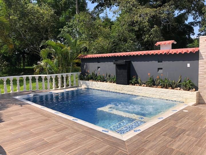 ! Increíble y Moderna Casa de Vacaciones