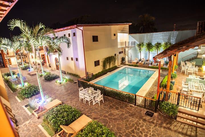 Plaza Marbella Granada Condominium - Suite 3