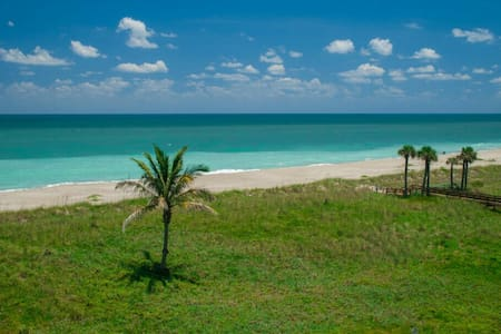 Ocean Front Complex Private Balcony - Fort Pierce