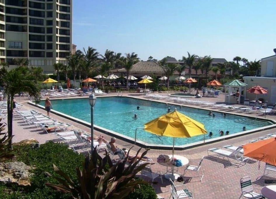 Main pool (Hot tub, Tiki Bar and Restaurant)