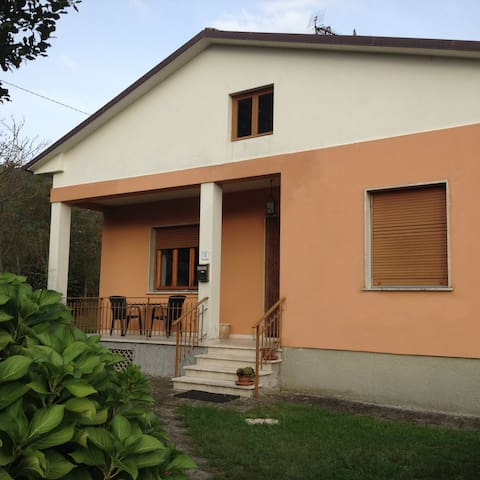 holiday house in Lucca - San Martino In Freddana-monsagr - House