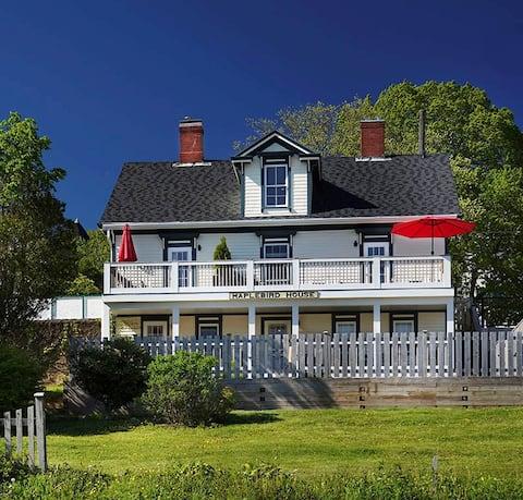 Maplebird House - Duke Room