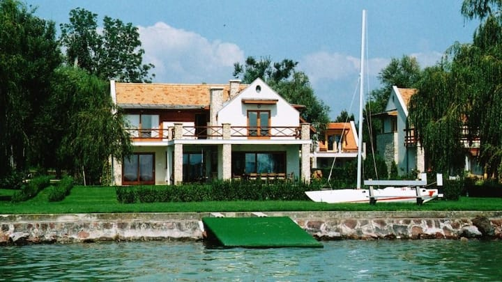 Waterfront Villa at Lake Balaton