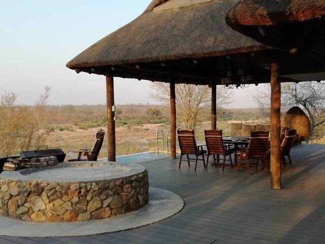 Luxury villa in Big 5 Reserve
