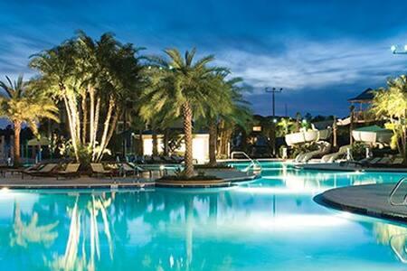 The Fountains-July 4th Week! Orlando - Orlando