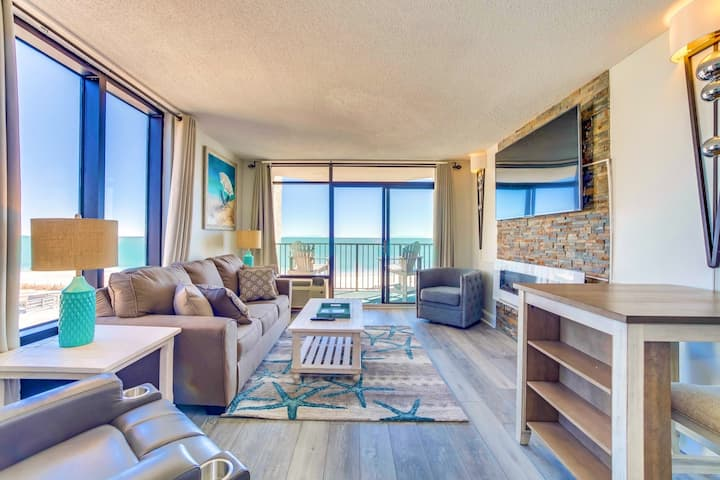 NEW 3rd FLOOR/CORNER END CONDO/PETS/WASHER/DRYER