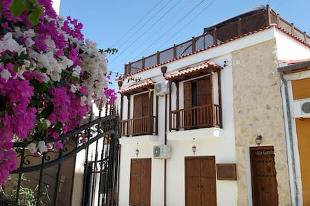 Malia apartment guesthouse (Second Floor) - Huoneisto