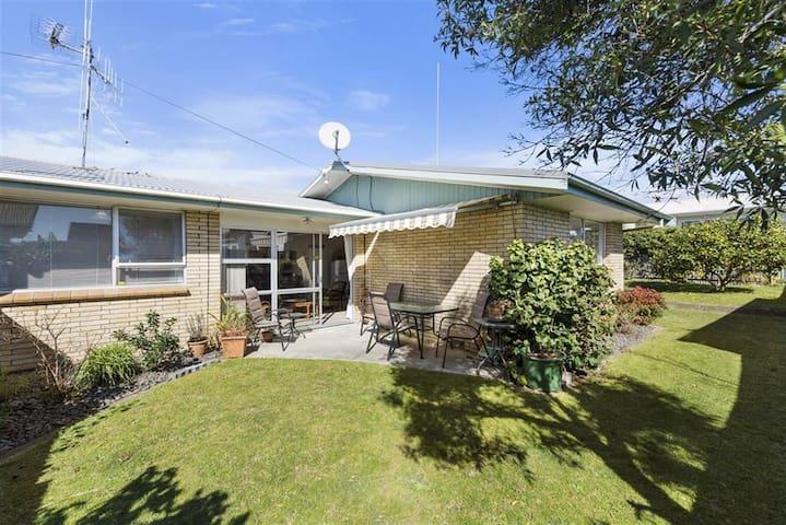 Sunny, Comfortable & Cosy - Tauranga - Townhouse