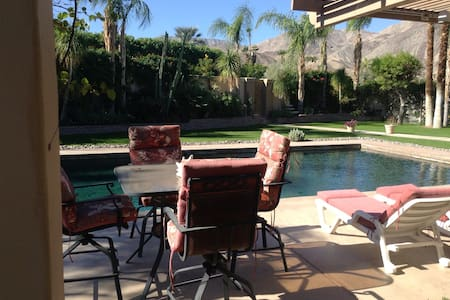 $100 Poolside 2 Room Suite w/ View - Palm Desert