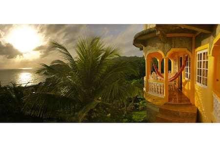 I View - the Oceanview Cottage - 2  - Long Bay - Casa