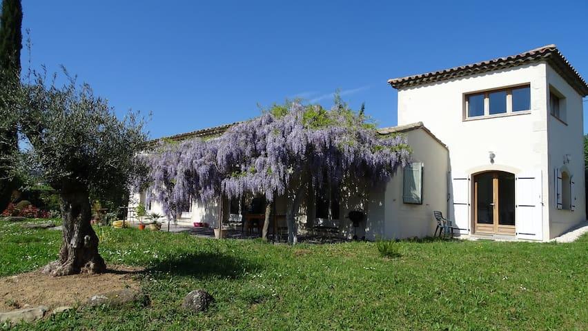 Maison type provencal sud Ardèche