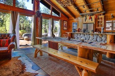 The Lake Tahoe Chalet - South Lake Tahoe - Ház