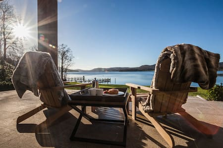 Luxury, designer home right on Lake Windermere - Bowness-on-Windermere - House