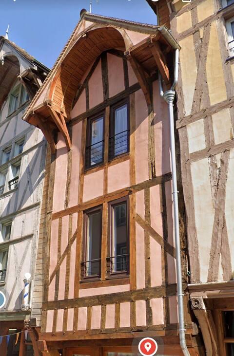Studio 143 Turenne - Les Templiers