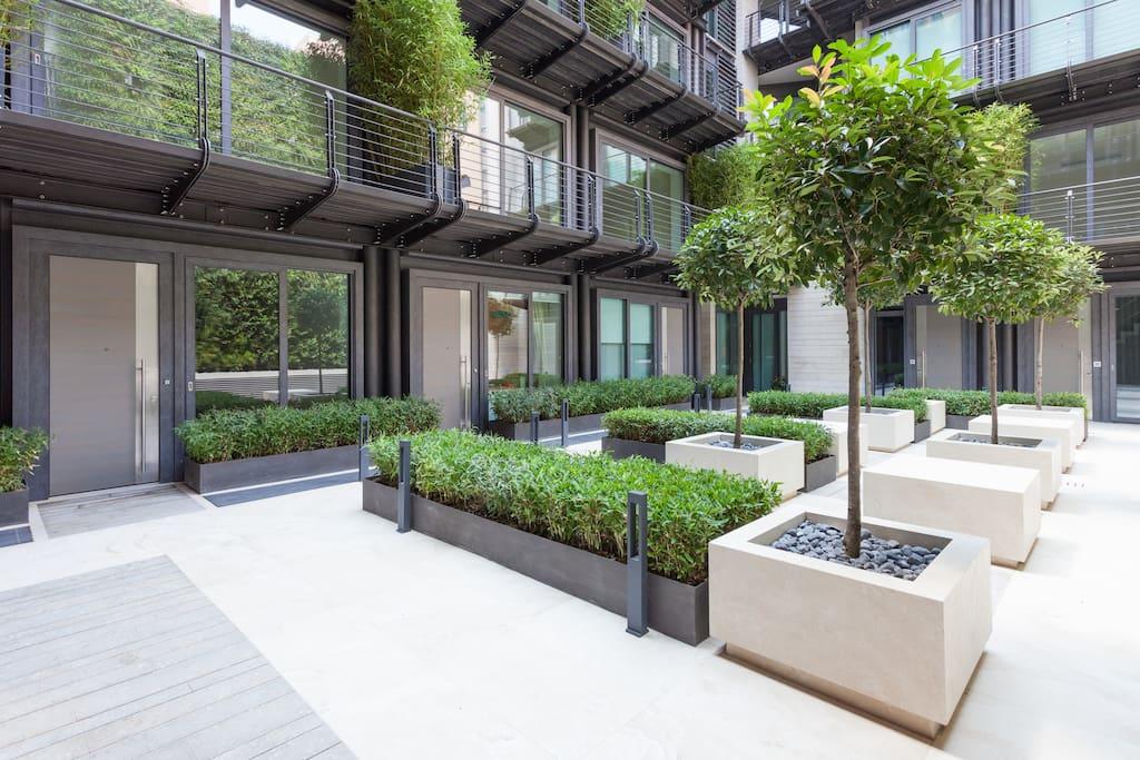 Courtyard, building internal