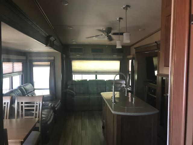 The NOT so Tiny Home! Beautiful, Clean & Spacious!
