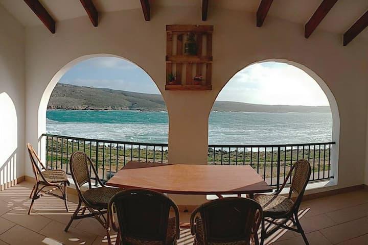 HOMEnFUN Fornells apartamento frente al mar 4