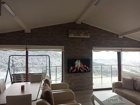 Eşsiz Manzaralı, Keyifli Çatı Katı - Roof suite