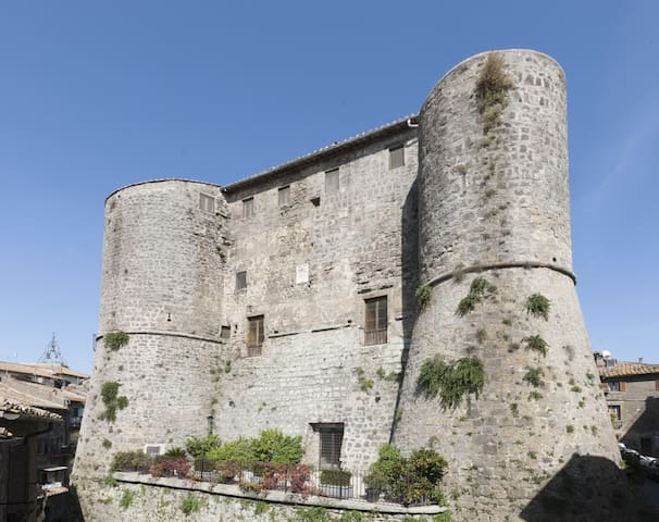Castello di Ronciglione I Torrioni - Ronciglione - Castelo