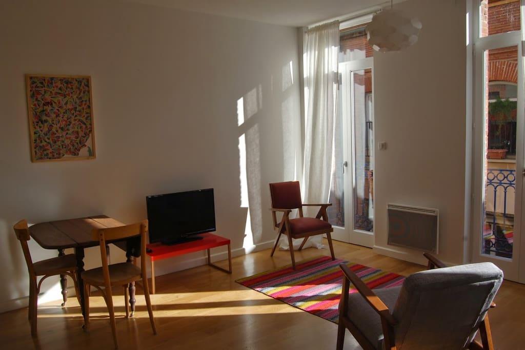 studio de charme jeanne d 39 arc appartements louer toulouse midi pyr n es france. Black Bedroom Furniture Sets. Home Design Ideas