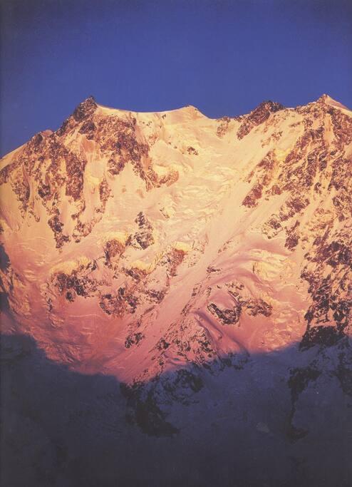 il Monte Rosa invernale, in particolare la parete Est, in tutto il suo splendore