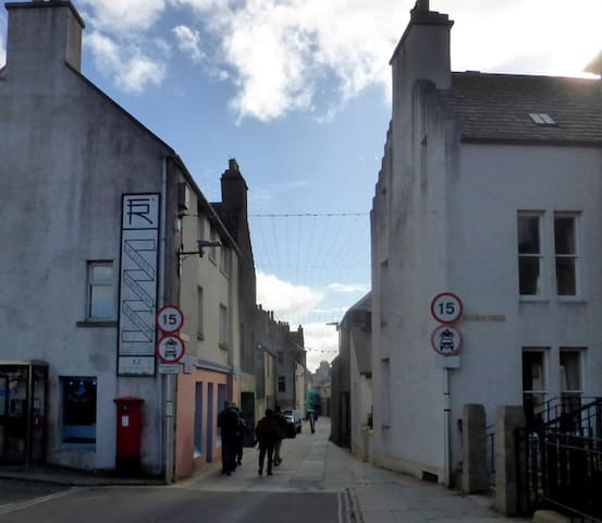 One bedroom flat in center of Kirkwall