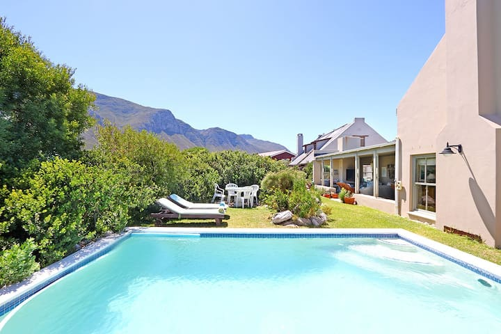 Beautiful Home with Pool - Betty's Bay - House