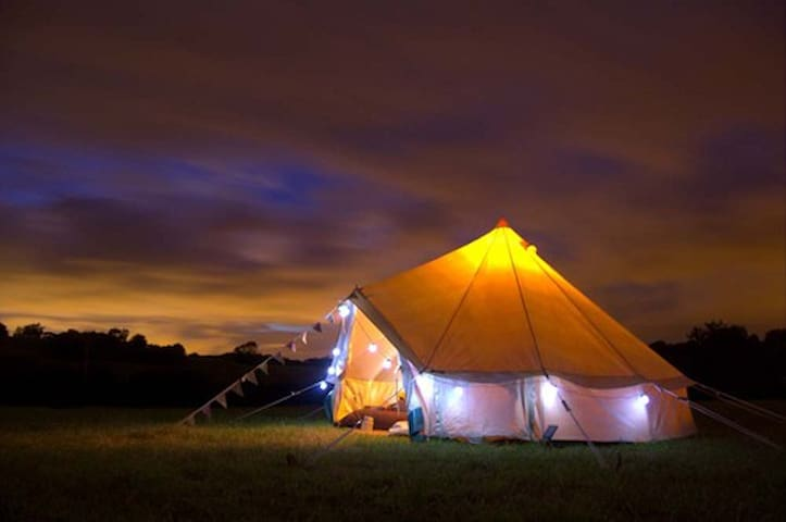 Luxury Furnished Bell Tents - Monkton Combe - Tenda