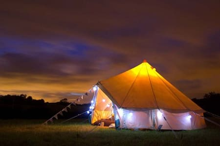 Luxury Furnished Bell Tents - Monkton Combe - Stan