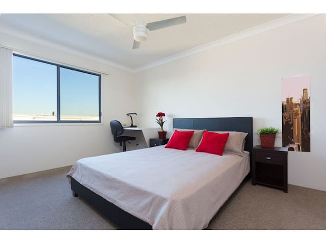 Taringa Apart. - Clean, Quiet, close to UQ & CBD. - Taringa - Apartamento