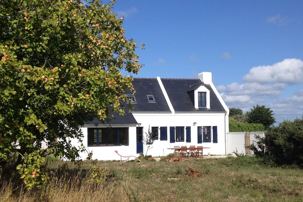 Maison de charme 2 8 personnes houses for rent in for Au jardin guest house welkom