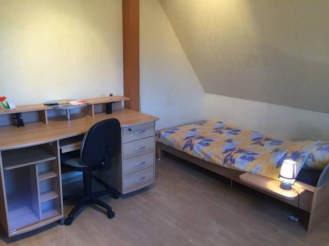 Chambre n° 2/2 maison direct Strasbourg 1 pers