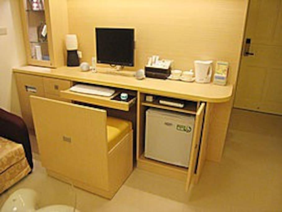 桌上型電腦.冰箱.DVD