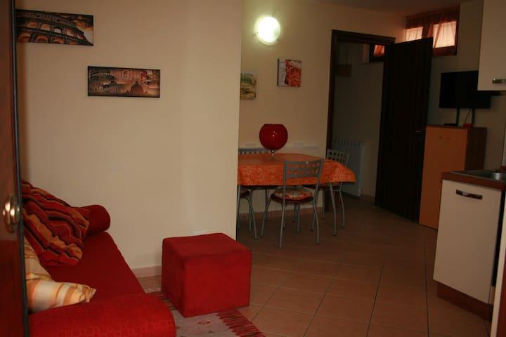 Robyhome2. Appartamento in villino - Ponte Galeria-la Pisana - Leilighet
