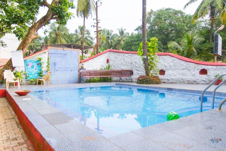 Contemporary  2BHK & Pool Access @ Calangute - Calangute - Byt