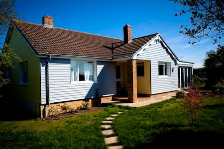 1950's style Cornish coast Bungalow - Cornwall