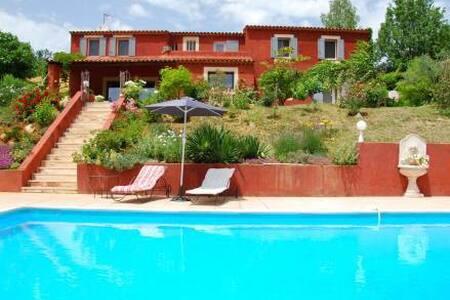 Villa des roses - Roussillon