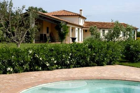 Luxury counrty villa (13 guest) - Capalbio