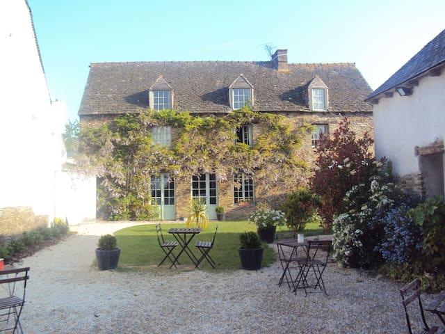Maison 14 pers piscine couverte  - Plesder - Dom