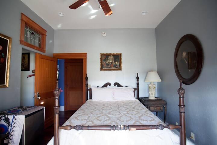 Renaissance Room *Barrio Viejo Villas|Private Bath