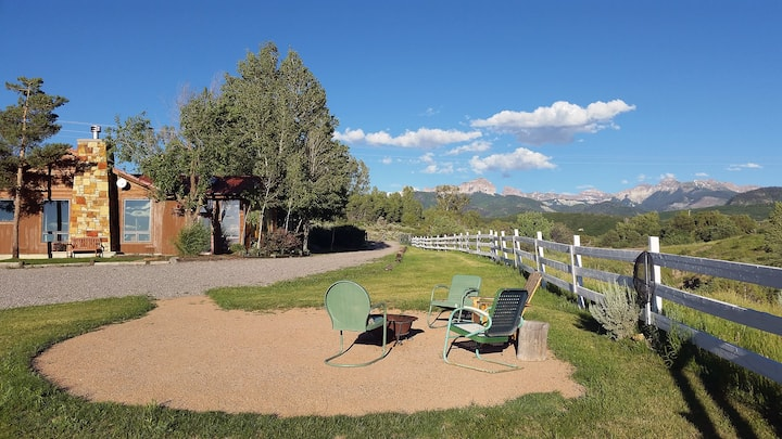 Charming Home - Amazing Views - Ping Pong- Fire Pit