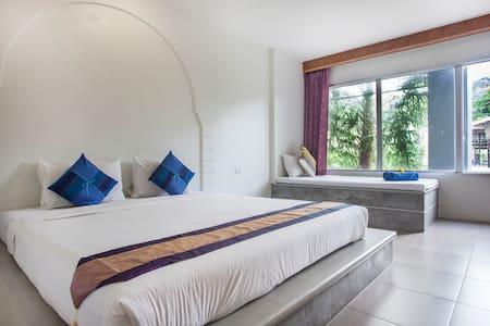 Dinar Lodge Halal Hotel in Bangtao - Choeng Thale - Apartment
