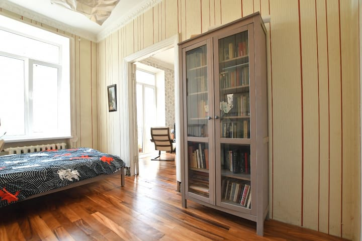 2-room apartment near Bolsheochtinski bridge